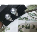 Pearl Earrings (Mainland China)